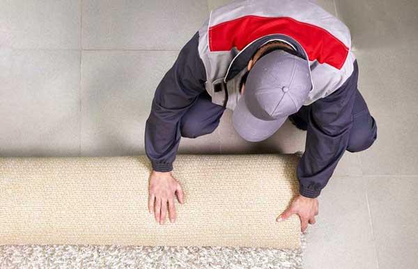 carpet cleaner rolling up rug