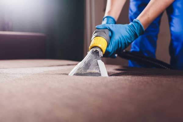 pro carpet cleaner using machine for upholstery cleaning